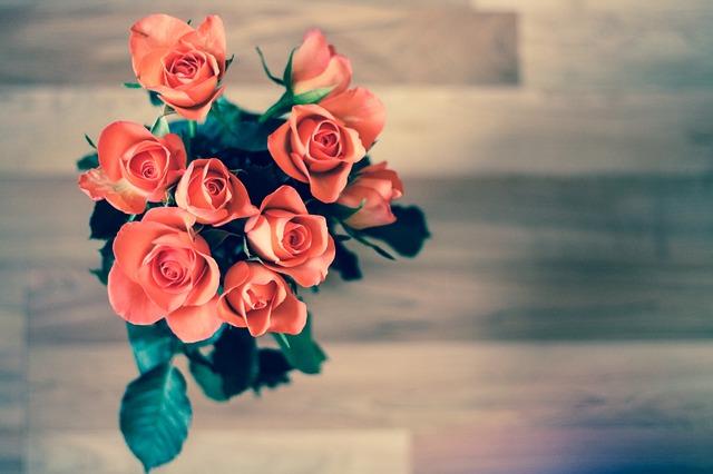 Kobiety uwielbiają kwiaty