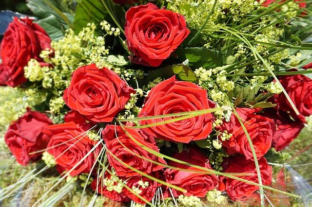 Internet sposobem na dostarczenie kwiatów