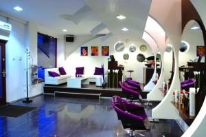 Jakich narzędzi i sprzętów potrzebujemy w salonie fryzjerskim?