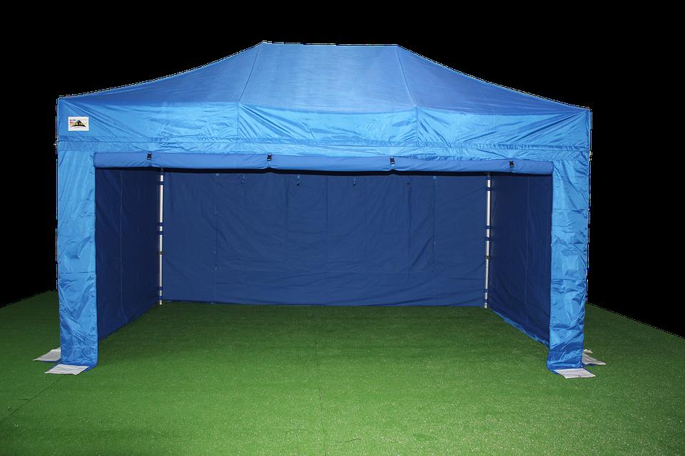 Dlaczego warto zdecydować się na namioty reklamowe?