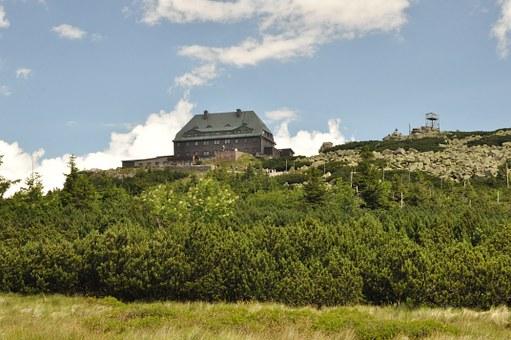 Sudety – niezwykłe miejsce na kolonie w górach